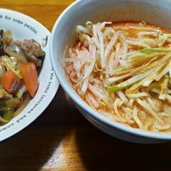 美味しい/八宝菜もどき/担々麺/晩ご飯 今日の晩御飯は 酎ハイ飲みながら 冷蔵庫…