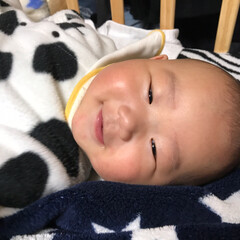もうすぐ5ヶ月/赤ちゃん おはようございます♡ 夜中の授乳後 なか…(2枚目)