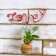 love/ワイヤー/ワイヤーアート/置物/ハンドメイド/手作り/... コルクの飾り11ワイヤーアートです。  …(2枚目)