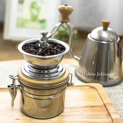 コーヒー/コーヒーミル/必需品/はじめて投稿したよ!/キッチン/暮らし/... 初めての写真投稿。  私の必需品。 コー…