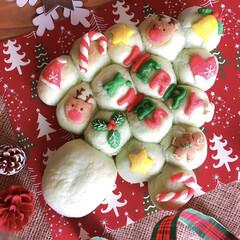 ちぎりパン/クリスマス/手作りパン/クリスマス2019/暮らし もうすぐクリスマス🎅🎄💖 うっすら緑の生…(1枚目)