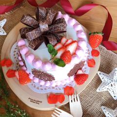 手作りケーキ/誕生日ケーキ/誕生日/クリスマス2019/キッチン/ハンドメイド 誕生日ケーキ作りました🎵 土台はシフォン…