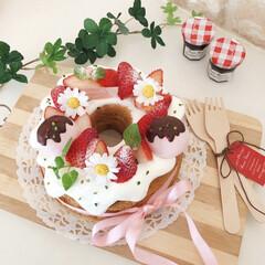 Homemade/ホームメイド/スイーツ作り/おうちカフェ/おうちおやつ/ケーキ作り/... ケーキを作っておうち時間☘️ バナナのシ…