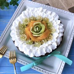 LIMIAスイーツ愛好会/おうちカフェ/手作りお菓子/ケーキ作り/デコレーションケーキ/cake/... ガトーショコラ焼きました。 フルーツや生…