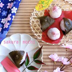 手作りお菓子/手作りおかし/おうちカフェ/おうちおやつ/さくら/デザート/... 桜餅作りました。 春になると食べたくなる…(1枚目)