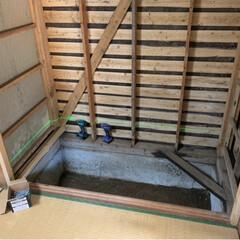 床下に気休めの炭/断熱材は要/カビだらけ/押し入れ/キッチン収納/リフォーム 母親の古民家再生  その後です🤔 以前 …