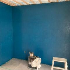 気温が低い/ジーンズ柄/ランダムに塗装/OSBに塗装/DIY/リフォーム さて ベッド及びデスク箇所 基本的な柱が…