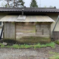 冬でも快適に/まずは解体/薪を置く場所 お袋 宅のリノベ😅 家の裏にある 風呂の…