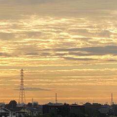 夏→秋/気温の変化/気をつけましょう おはよぅございます‼︎  朝焼け雲の〝段…