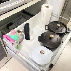 staub ストウブ 大きい 両手 ホーロー 鍋 IH対応 La Cocotte Round 40500-241 | STAUB(その他キッチン、日用品、文具)を使ったクチコミ「我が家のお鍋収納📷 staubはIH下に…」