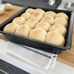クッキング/モノトーンハウス/マイホーム/子供のいる暮らし/丁寧な暮らし/暮らしを楽しむ/... 初めてちぎりパンを作りました🍞✨ 自粛で…