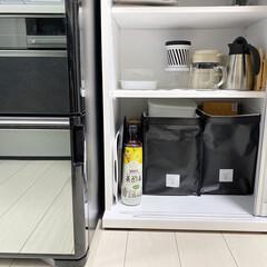CJ 美酢 ミチョ 900ml×4本セット もも&パイナップル&マスカット&カラマンシー(パック)を使ったクチコミ「我が家のタッパー収納✨ キッチン背面のカ…」