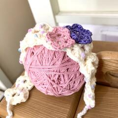 ベビーグッズ/手編み/かぎ編み/出産祝い/ハンドメイド お友達のお嬢さまの出産祝いにベビーヘアバ…