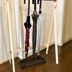 傘立て/梅雨/ハンドメイド/100均DIY/【レイングッズの収納アイデア】フォ... 色柄いろいろ、見た目バラバラな傘は靴箱の…