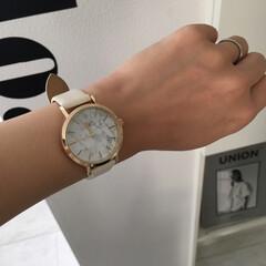 DAISO/大理石柄/腕時計/ダイソー/100均/お家でもオシャレ 【ダイソー腕時計】  入園式にも付けてい…