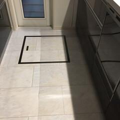 透明キッチンマット/クリナップキッチン/傷防止/キッチン/キッチンマット キッチンマットは透明のものを使っています…