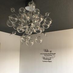 バブルシャンデリア しゃぼん ランプ シャボン玉 ガラス バロン デザイナーズ照明(シャンデリア)を使ったクチコミ「長いGW。 寝室のバブルシャンデリアを掃…」