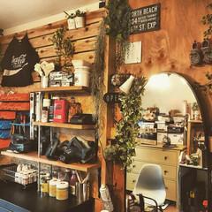 DIY/賃貸DIY/賃貸マンション/鏡台/工具棚/男前/... 自作の鏡台と工具棚です。