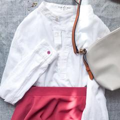 白シャツ/スカートコーデ/スカート/コーディネート/コーデ/おしゃれ シンプルなノーカラーシャツに、 鮮やかな…