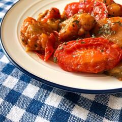 鶏肉料理/料理/おうちごはん/ランチ/暮らし/節約 茄子とチキンのトマト煮込み🍅  茄子、チ…