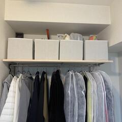 おうち/寝室収納/クローゼット整理/クローゼット収納/壁面収納棚/壁面DIY/... 造り付けのクローゼットは、昔ながらのタン…(5枚目)