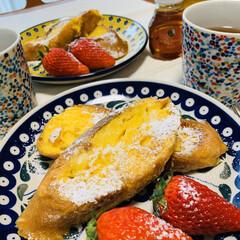 おうちカフェ/#お家カフェ#フレンチトースト 不急不要の外出…自粛。 お家カフェ☕️ …