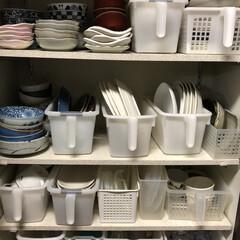 キッチン収納/100均/カップボード収納/お皿収納 我が家の食器収納場所は、この幅、高さは天…(1枚目)
