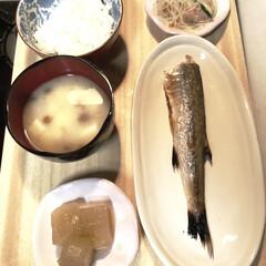 偏食/老人/暮らし ばぁさんの夕飯です。 メインは、カマスの…(1枚目)