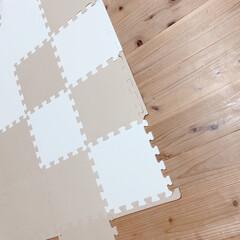 ユノックス 30cm ジョイントマット ピンク ベビー・キッズ フロアマット プレイマット(その他寝具、ベビーベッド)を使ったクチコミ「うちのベビたんは、9ヵ月です☝︎ 床にコ…」