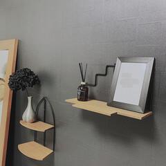 Art/ポスター/フェリシモ/モノトーンインテリア/紫陽花/100均/... ベッドの上の飾り棚をパチリ´✪ω✪ アイ…