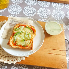 スパッと切れるラップケース ホワイト(米びつ)を使ったクチコミ「朝食で良く食べてる食パン🍞  食パンに …」(2枚目)