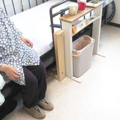 木材/施設暮らし/テーブルDIY/DIY/介護用品/サイドテーブル/... 以前祖母にプレゼントしたベッド横に置くテ…(3枚目)