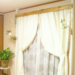WAKAI ディアウォール 上下パッド ホワイト×2 + 2×4材 2本 セット(突っ張りラック)を使ったクチコミ「ベランダの窓部分に作った 洗濯物がたくさ…」