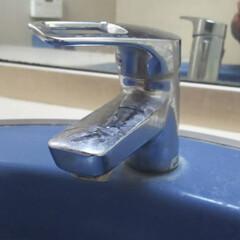 洗面台/お掃除/蛇口/ハウスクリーニング/水垢/ぴかぴか 洗面台蛇口の清掃前になります。  清掃後…