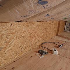 収納/屋根裏/屋根裏部屋/DIY/住まい/リフォーム/... 屋根裏部屋に換気扇を設置 今度二階にスイ…