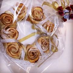 薔薇/手作り/アップルパイ パイシートから作った 薔薇のアップルパイ…