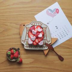 バレンタイン/オープンサンド/いちごのオープンサンド/ハートマシュマロ/テーブルフォト/バレンタイン2020 よく作るいちごのオープンサンドにラブリー…