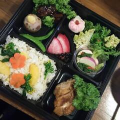 春野菜/お弁当/住まい/暮らし 春らしい、 色とりどりのお弁当。 おいし…