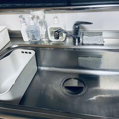 リセット/キッチン/住まい/暮らし 洗剤等、カゴに片付けてリセット完了💖 今…(2枚目)