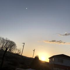 日の出 たった今 今日の日の出です! いい天気に…