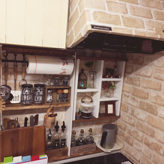 自作ラベル/調味料ラック/DIY/リノベーション/部屋作り(部屋づくり)/100均/... キッチンの壁、調味料ラックをDIY。 使…