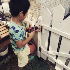 ちびっこDIYer/ガーデンゲート/DIY 我が家では6歳のチビ(年長)も立派なDI…