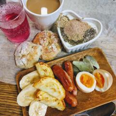 カフェ風/スクランブルエッグ/半熟煮卵/ヨーグルト/紫蘇シロップ/コーヒー/... うちは、朝ごはんに力入れてますー!食べる…
