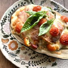 おうちご飯/お気に入りの食器/こだわりのテーブル 夏野菜のグラタン 米ナスとズッキーニ お…