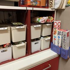 ラップ収納 我が家のラップは冷蔵庫の脇に取りやすいよ…