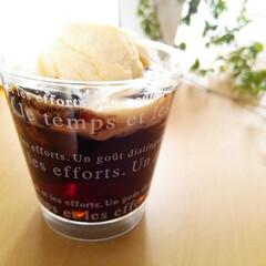 コーヒーゼリー/コーヒー/アイス/はらぺこグルメ ひんやり冷たいコーヒーゼリーに、バニラの…(1枚目)