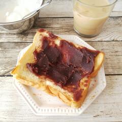 バター よつ葉パンにおいしい発酵バター 100g(有塩バター)を使ったクチコミ「バタートーストにこしあんを塗り広げるだけ…」