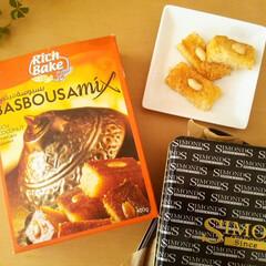 アラブ菓子/バスブーサ/キット バスブーサというアラブ菓子を、本場のキッ…