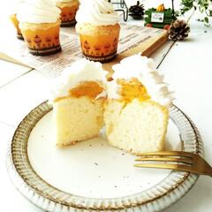 ハロウィン/かぼちゃ/カップケーキ 1つ前に投稿したカップケーキ、半分にカッ…(1枚目)