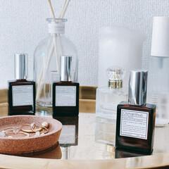レイアウト/マイルーム/自室/ワンルームインテリア/ワンルーム/一人暮らしインテリア/... さいきん追加したキンモクセイの香りの香水…